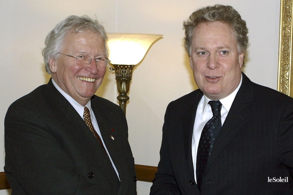 <p>Jean-Paul L'Allier et Jean Charest en 2004 </p>