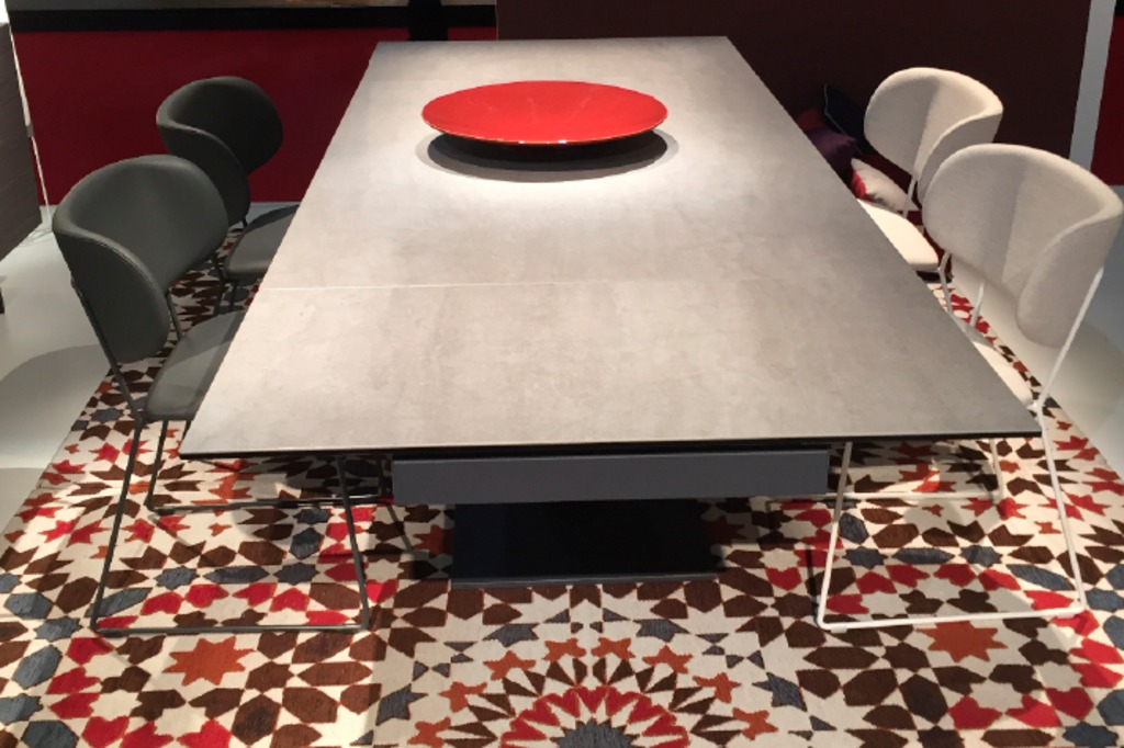 Table en dalles de porcelaine LAMINAM.