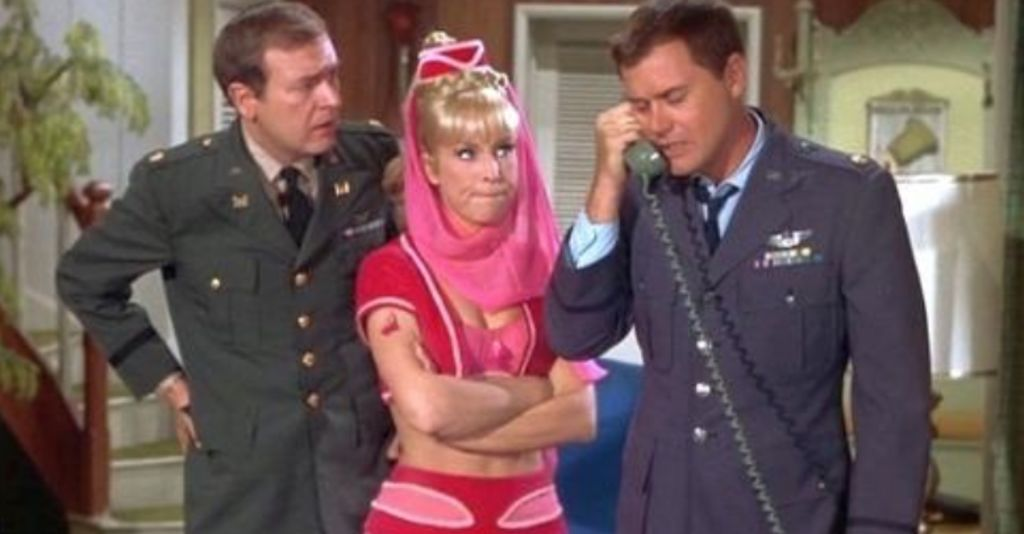 Bill Daily, Barbara Eden et Larry Hagman dans «Jinny»