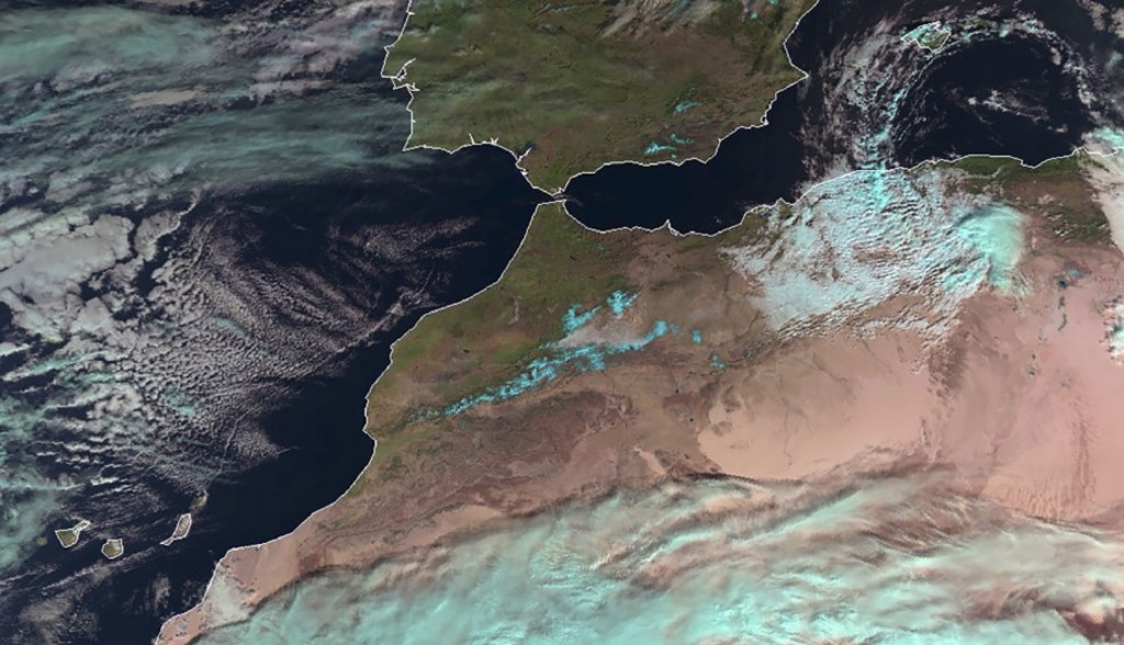 """A handout photo from Metop-B and released on December 22, 2016 by Eumetsat shows the first snowfall in the Sahara desert since February 1979. / AFP PHOTO / EUMETSAT / STRINGER / RESTRICTED TO EDITORIAL USE - MANDATORY CREDIT """"AFP PHOTO / 2016 EUMETSAT"""" - NO MARKETING NO ADVERTISING CAMPAIGNS - DISTRIBUTED AS A SERVICE TO CLIENTS"""