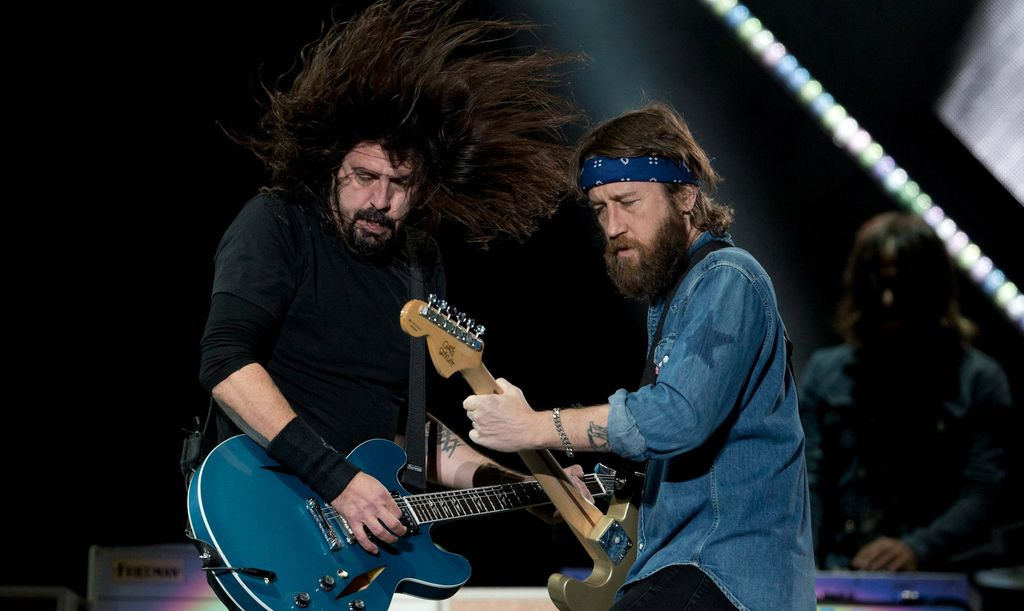 Dave Grohl et Chris Shiflett des Foo Fighters