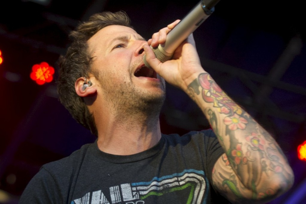 <p>Pierre Bouvier, chanteur de Simple Plan</p>