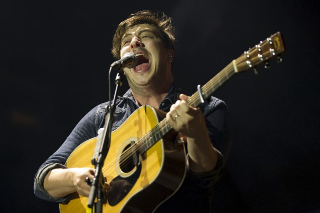 <p>Mumford and Sons au festival Osheaga en 2013</p>